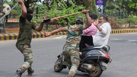 police_enforcing_lockdown_in_india_to_protect_them.jpg
